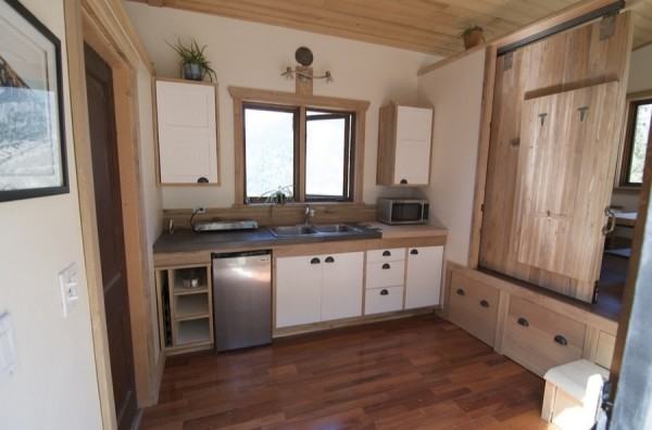 No Loft V House Nelson Tiny House 002