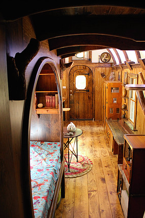 old-time-caravan-tiny-house-008