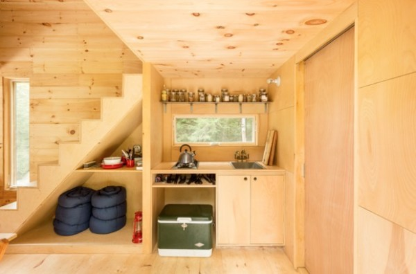Tiny House on Wheels Vacation in Boston by Millenial Housing Lab and Getaway House 003