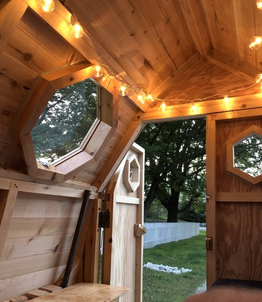 Painter Builds Truck Bed Beehive Mobile Studio & Home 13