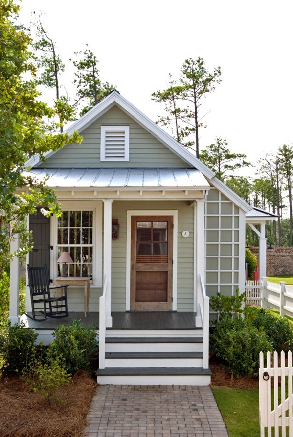 Tiny Home Designs: 493 Sq. Ft. Studio Style Cottage With First Floor Bedroom