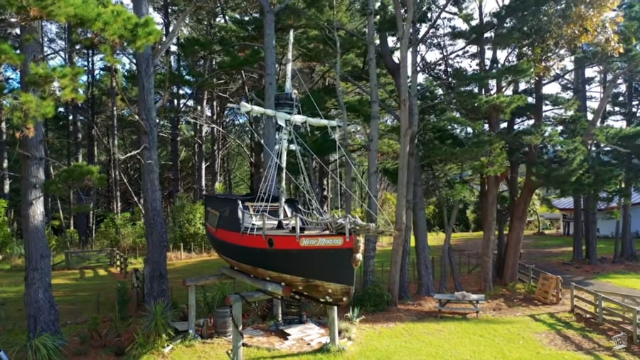 Pirate Ship in The Trees 001