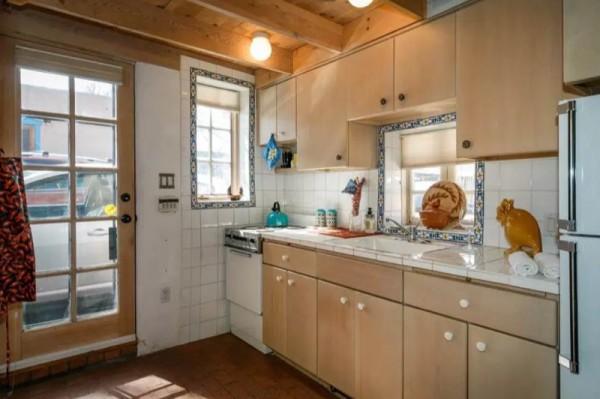 Pueblo-Style Solar Home For Sale in Santa Fe 0012