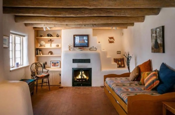 Pueblo-Style Solar Home For Sale in Santa Fe 004