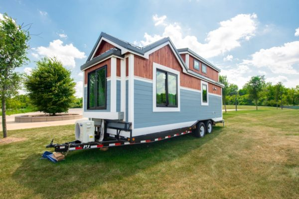 REMAX Tiny House to Help Tiny Tots 0022