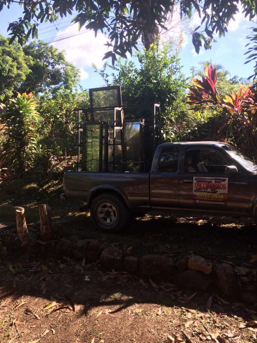 Robertas Tiny Cabina Construction in Costa Rica 0045