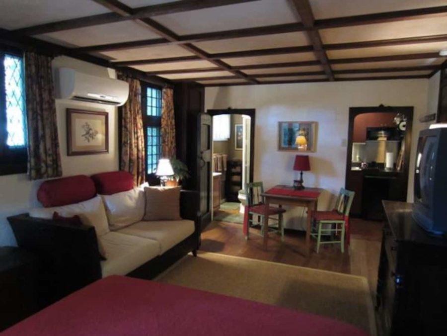 Romantic Herringbone Cottage – Walk to New Hope 005