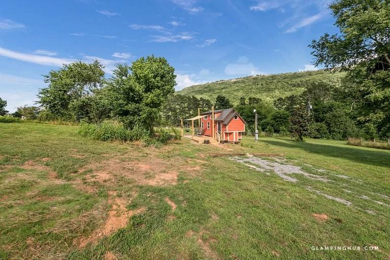 Romantic Tiny House Getaway Near Chattanooga 0017