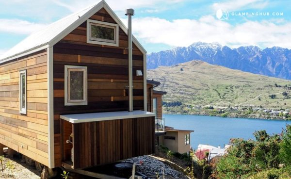 Romantic Tiny House Rental with Lake Views in Queenstown, South Island