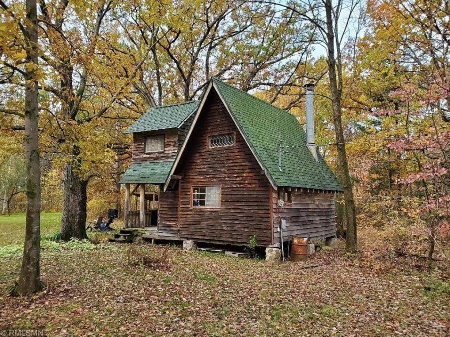 Rustic Cabin on 26 Acres in Wisconsin for 159k via Zillow 003