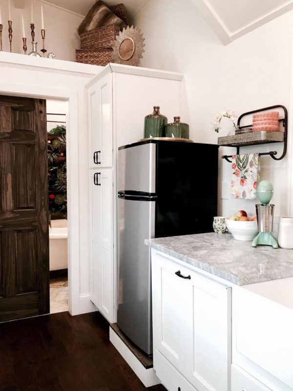Rustic Chic Tiny House by Tiny Heirloom 007