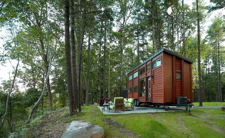 Secluded and Cozy ESCAPE Tiny House Vacation