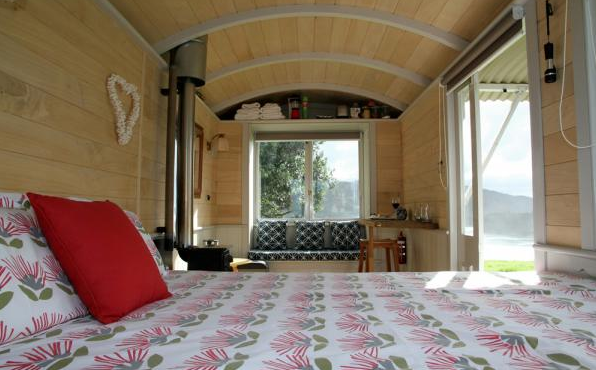Shepherd Hut Micro Cabin with Ocean Views 003