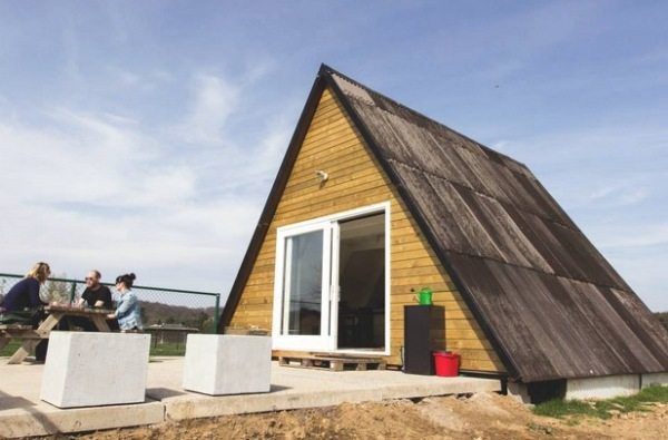 Simple-Tiny-A-frame-Cabin-Belgium-001
