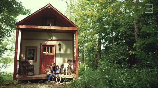 Single Mom of Three Building Off Grid Tiny Home After Divorce 006