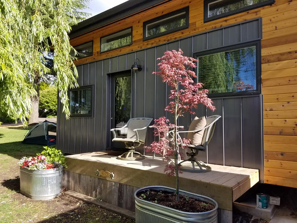 Son Designs and Builds Tiny House for his Mom