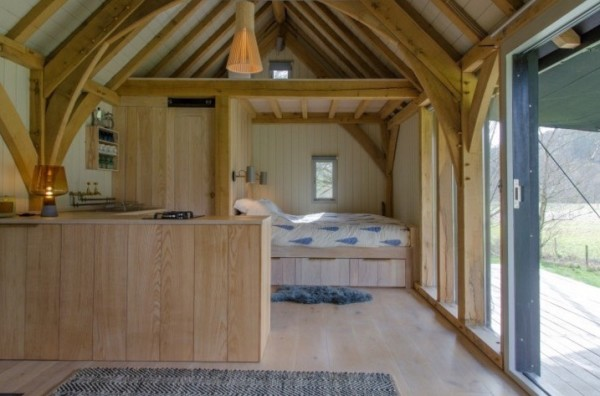 Sustainable, Off-Grid Modern Tiny Cabin in Devon, England 03