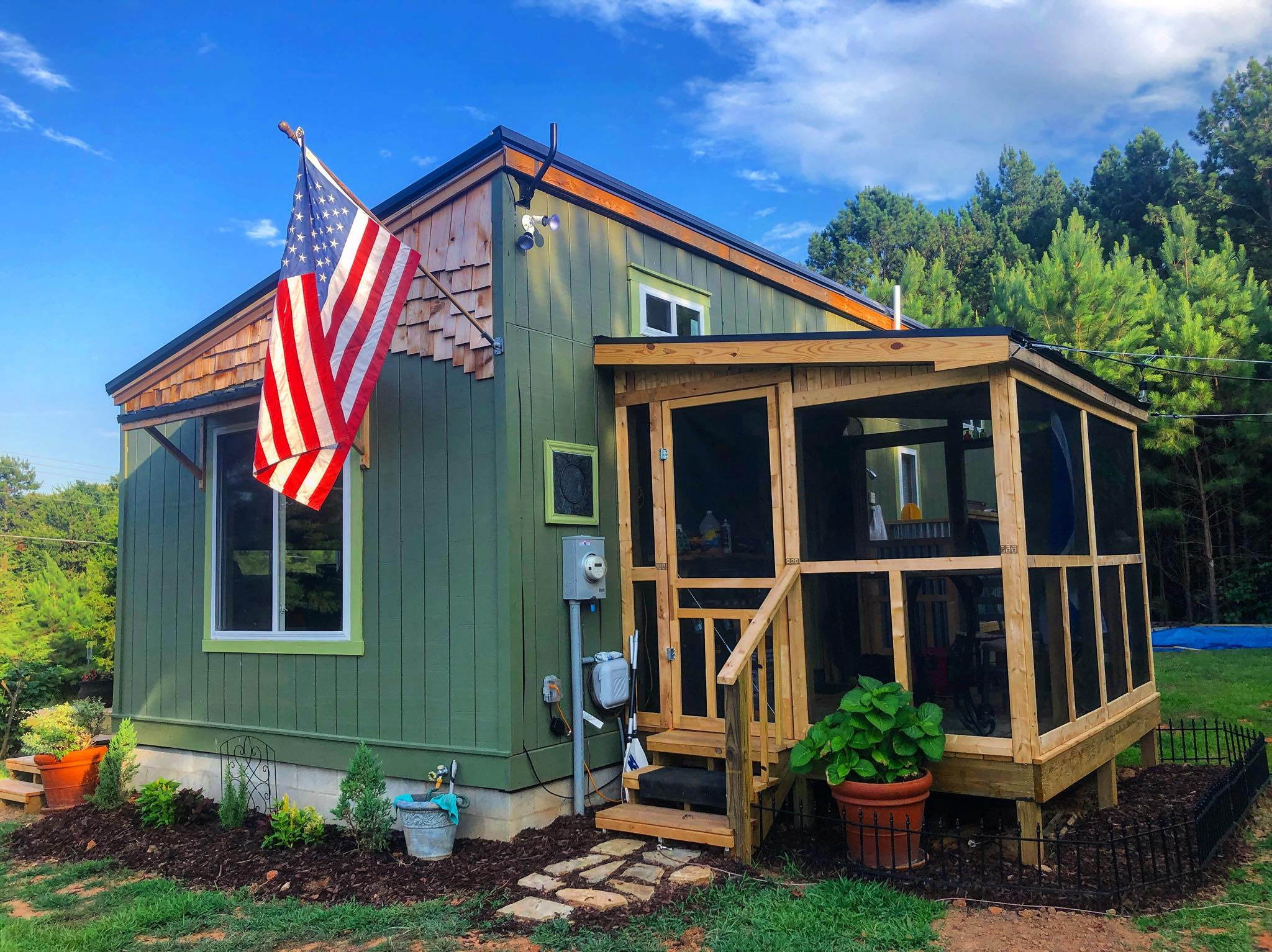 Do It Yourself Home Design: Tiny Cottage On Foundation With Screened-in Porch, Outdoor