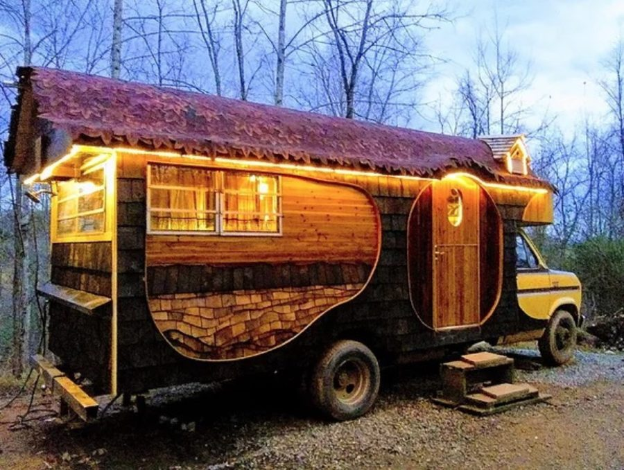 The Griswald 24-Foot Rolling Home by Yogi's Fine Woodworks 004