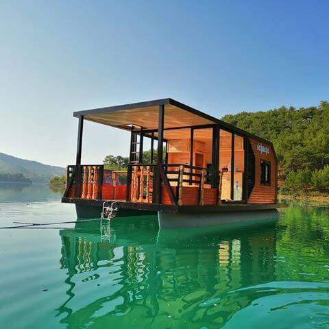 The Musti Schnaps Tiny Houseboat 0010