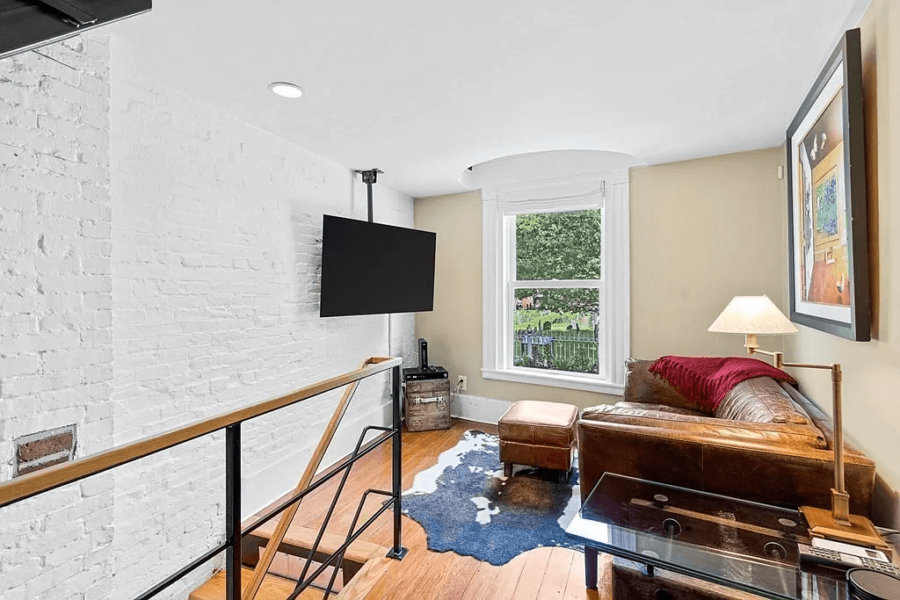 The Skinny House (Spite House) is For Sale in Boston 14