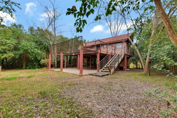 Tiny Cottage on Stilts in Houston Texas For Sale 0023