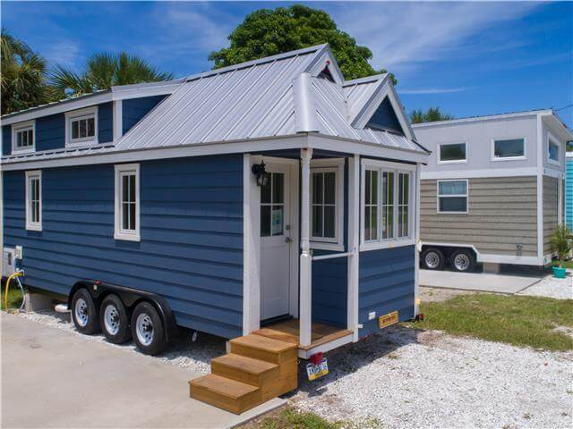 Unique Layout Tiny House In Florida