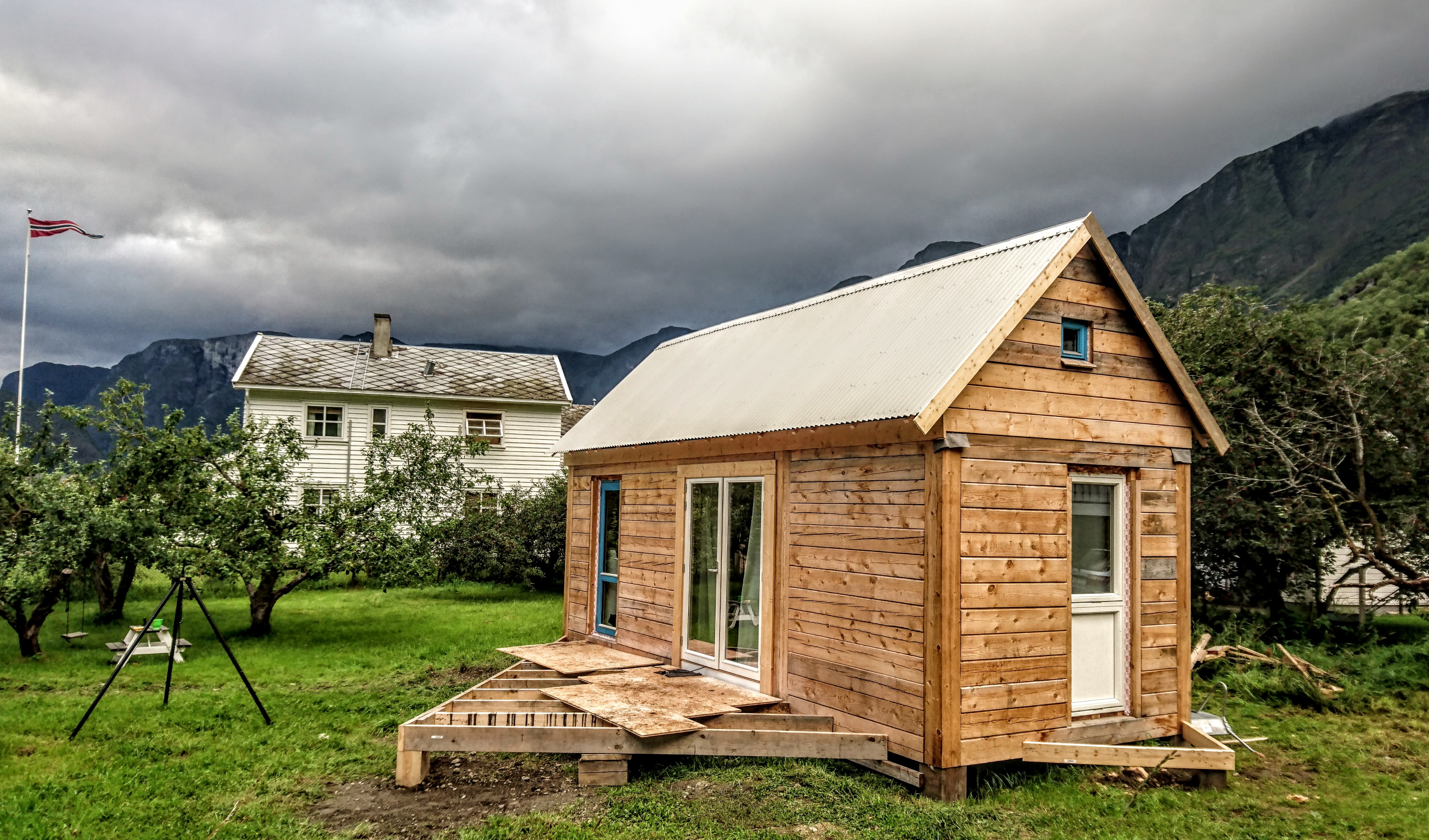 Gøran Johansen's Tiny Home In Norway (With Plans