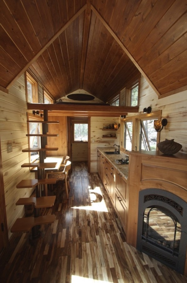 Tiny Home Designs: Tiny Stone Cottage On Wheels