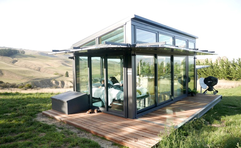 Transparent Tiny House on Waipara Valley in New Zealand Glass Walls Ceilings Floors 001