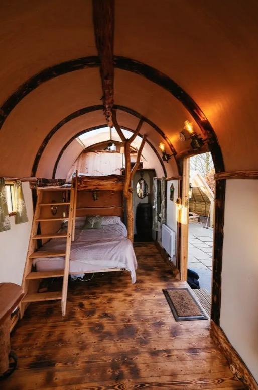 Wigwam Hot Tub Tiny House in Rural England via Ralph Airbnb 004