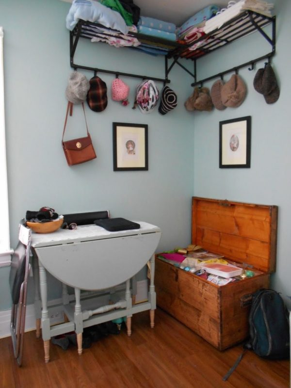 Woman's 120 Sq Ft Tiny Apartment in Toronto 008