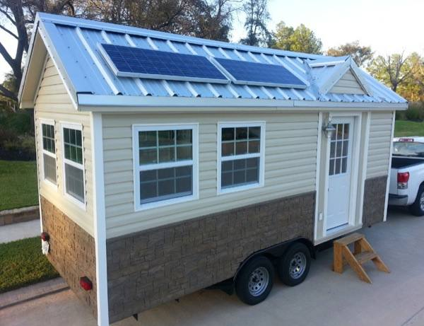 Solar Powered Americana Tiny House for Sale on Auction