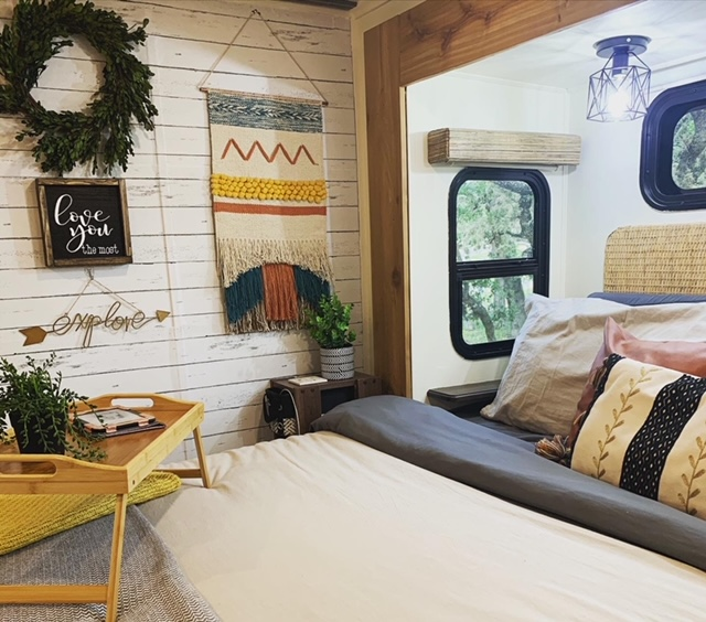 Former Military Couple's Renovated RV 9