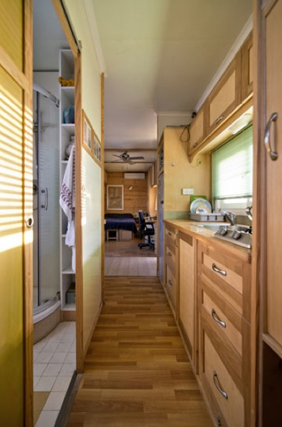 box-truck-to-solar-mobile-cabin-0016