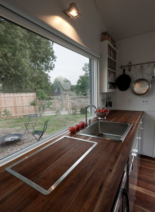 Tiny Home Designs: Man Builds Modern 210 Sq. Ft. Tiny Home: Minim Home