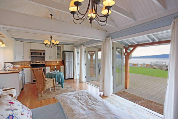 camano-island-beach-cottage--smallhousebliss-002
