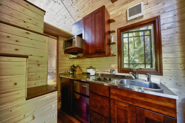 Candice's Tiny Tack House: Interior Photos: Modified Tumbleweed Fencl: Photos by Chris Tack (4)