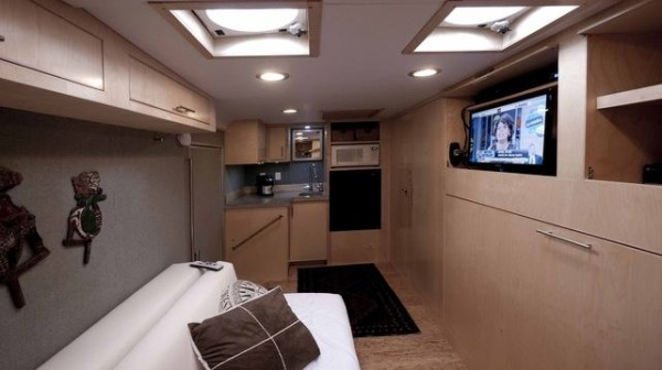 cargo-trailer-turned-to-transforming-stealth-tiny-house