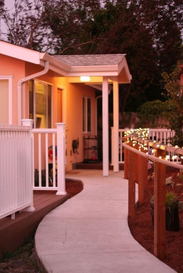 chez-mona-new-avenue-homes-610-sq-ft-cottage-00012