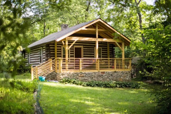 classic-log-cabin-downtown-asheville-001