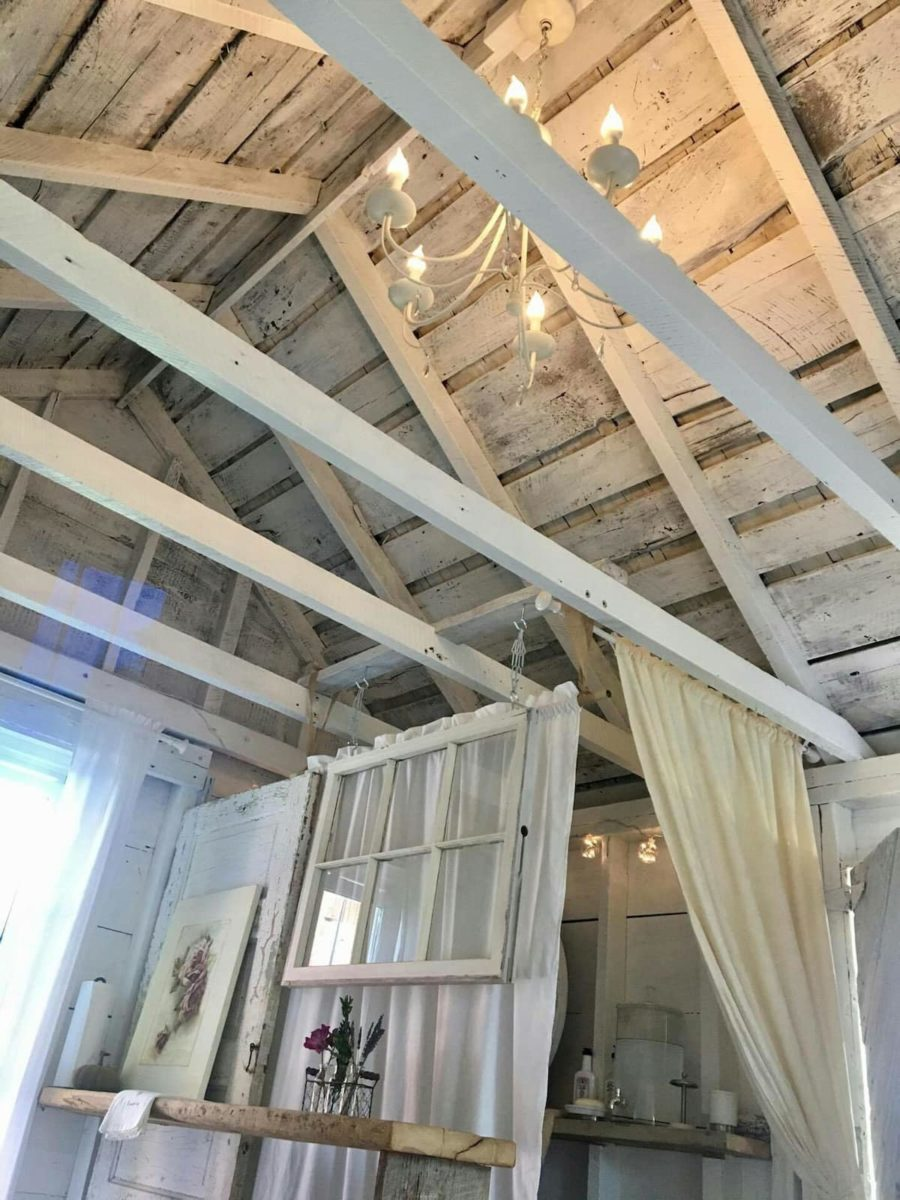 The Granary: Rustic Chic Early 1900s Cottage 8