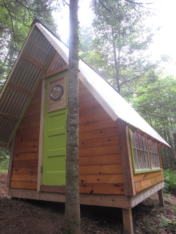 A diy micro cabin in the woods you can build for Cost of building a house in vermont