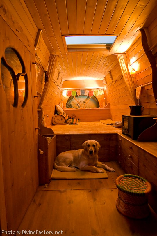 dipa-vasudeva-das-work-van-to-tiny-cabin-conversion-diy-motorhome-003
