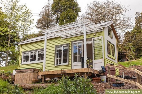 Young Family's DIY Tiny House on Wheels