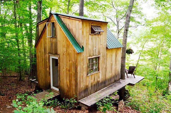 Man Builds Tiny Cabin for $4k in 6 Weeks in the Woods