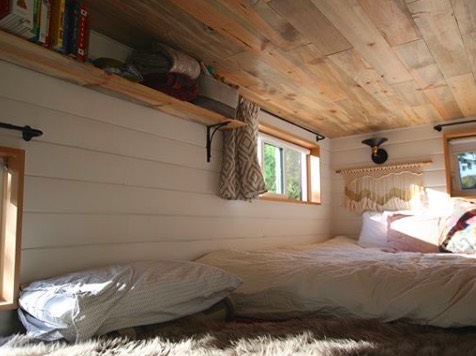 Family of Three Live in 28' Tiny House