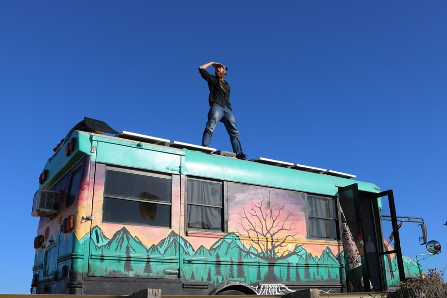 The Digital Nomad Guy and His Epic Bus Home 5