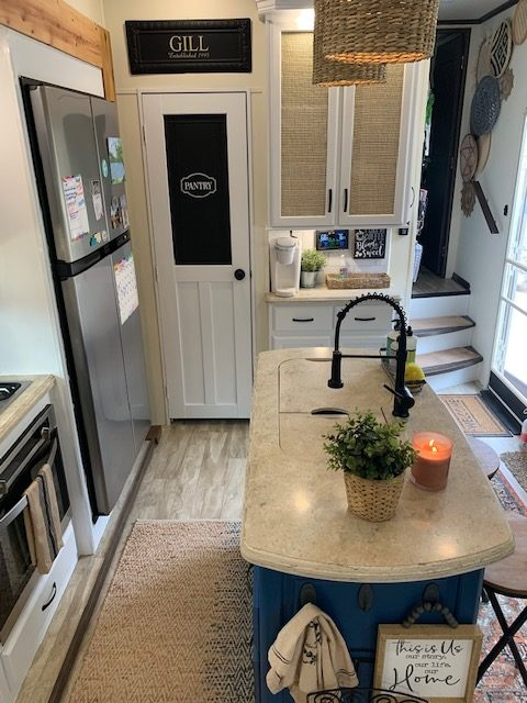 Former Military Couple's Renovated RV 23