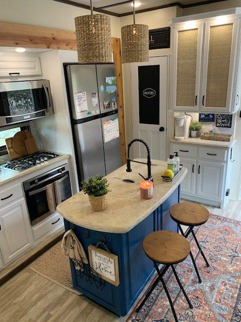 Former Military Couple's Renovated RV 26